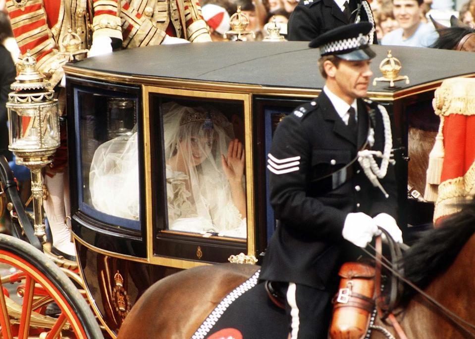 Princess Diana arrives with her father to St. Paul Cathedral.