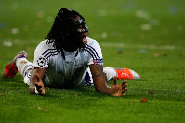ANDERLECHT, BELGIUM - NOVEMBER 21: Dieudonne Mbokani of Anderlecht screams in frustration during the UEFA Champions League Group C match between RSC Anderlecht and AC Milan at the Constant Vanden Stock Stadium on November 21, 2012 in Anderlecht, Belgium. (Photo by Dean Mouhtaropoulos/Getty Images)