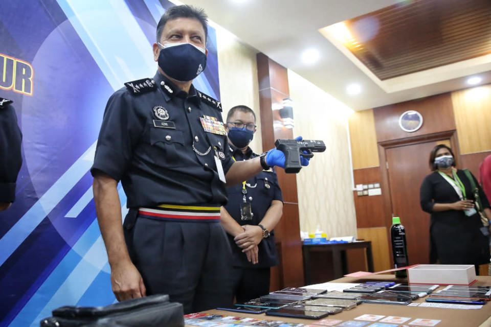 Kuala Lumpur police chief Comm Datuk Azmi Abu Kassim gives a press conference at the Kuala Lumpur Contingent Police Headquarters, August 2, 2021. ― Picture by Choo Choy May