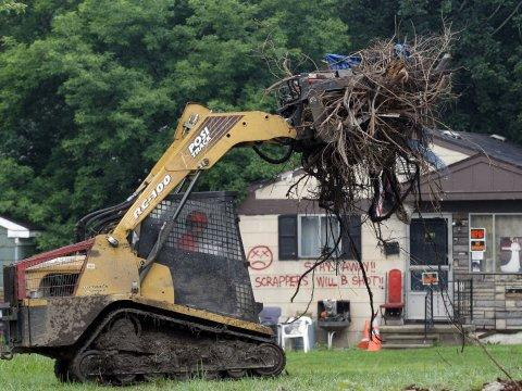 blighted detroit clean up