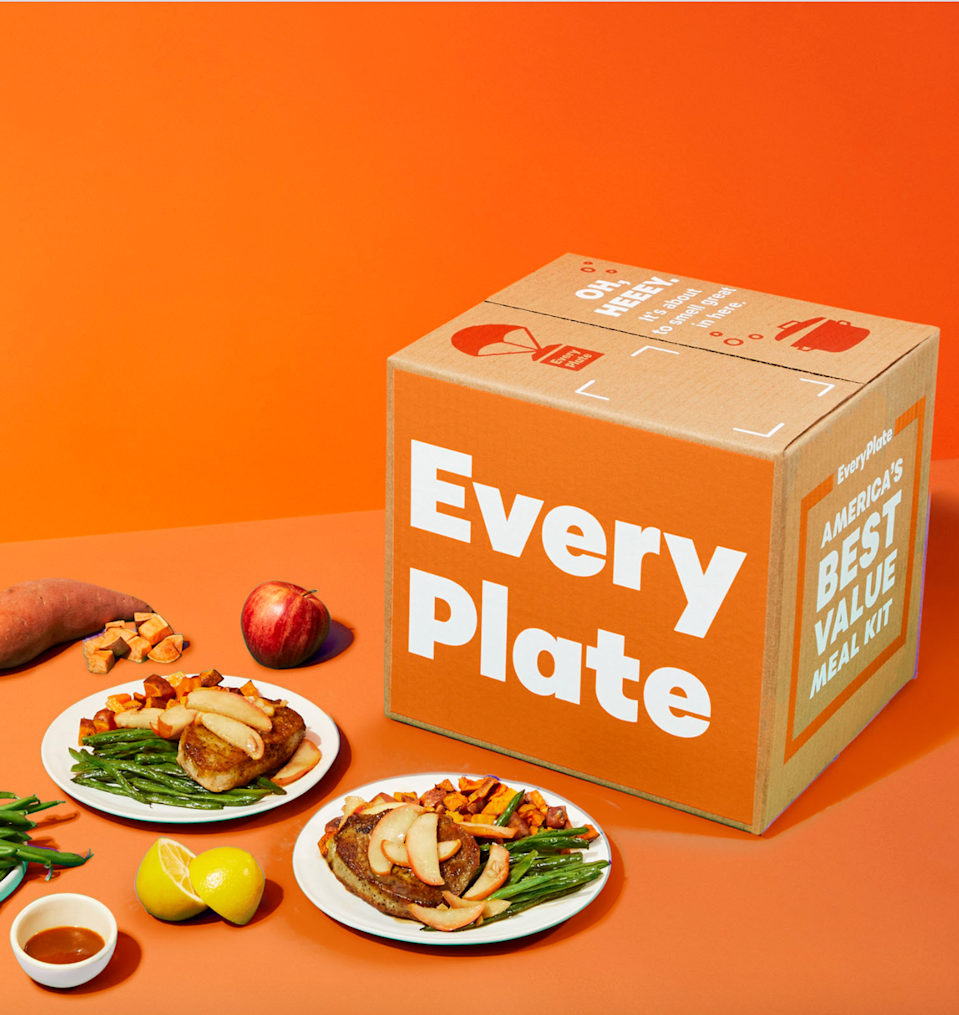 """<strong><h3><a href=""""https://www.everyplate.com/"""" rel=""""nofollow noopener"""" target=""""_blank"""" data-ylk=""""slk:Every Plate"""" class=""""link rapid-noclick-resp"""">Every Plate</a></h3></strong><br><strong>The elevator pitch:</strong> """"Get more bites for your buck.""""<br><br><strong>Cost: </strong>Choose from a 2 or 4 person meal plan. Each meal is priced at $4.99 per serving.<br><br><strong>Delivery schedule: </strong>Deliveries are made Tuesday through Saturday between 8am and 8pm. <br><br><strong>What you get: </strong>A flexible subscription of lunches and dinners. Select your dishes from 13 options that change each week and are designed to take 30 minutes or less to prepare. <br><br><strong>Cooking required? </strong>Yes. You receive pre-measured ingredients with recipe cards.<br><br><strong>Great for: </strong>Great for budget-conscious people and families. <br><br><strong>Deal:</strong> <strong>$10 off your first 2 boxes. Discount applied at checkout. </strong>"""