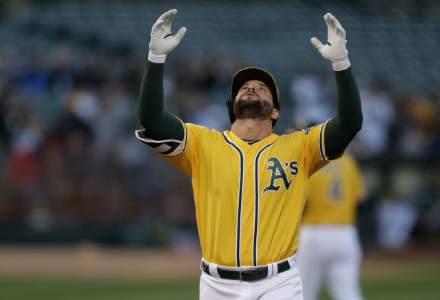 """Has <a class=""""link rapid-noclick-resp"""" href=""""/mlb/players/8660/"""" data-ylk=""""slk:Yonder Alonso"""">Yonder Alonso</a> finally figured it out? (AP)"""