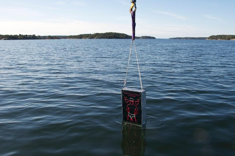 Installation of the Singing Sailor Underwater Defense System on April 27, 2015 into the Baltic sea, east of Stockholm