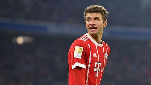 ​Bayern Munich attacker Thomas Muller has become that fastest Player in Bundesliga history to reach 200 wins, following his side's 3-1 victory over Schalke 04 on the weekend. Goals from Muller himself and teammate Robert Lewandowski were enough to ​see off their opponents in a hard fought win at the Allianz Arena, with a well placed finish from Argentine striker Franco Di Santo wedged between the two. 200 - @esmuellert_ (@FCBayern) ist der schnellste Spieler der #Bundesliga Historie, der 200...