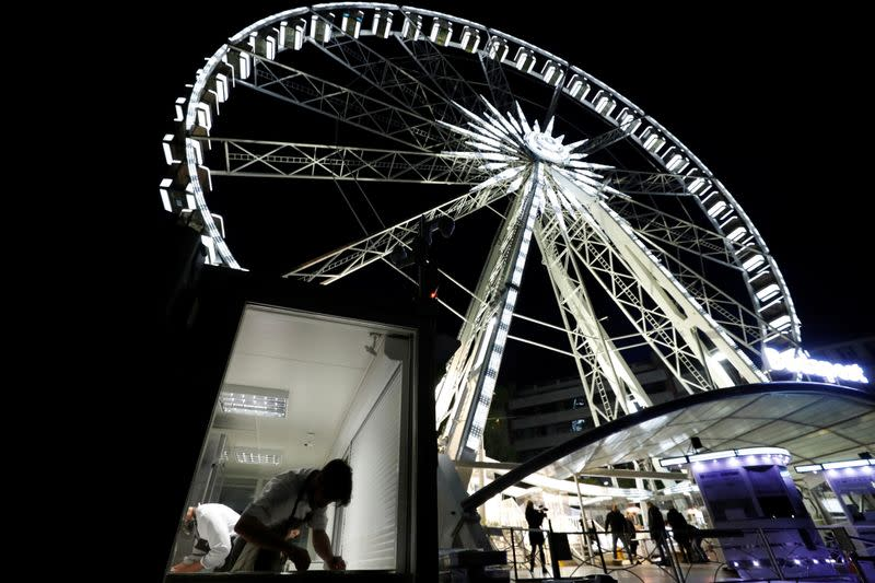 Hungarian restaurant reinvents the wheel for social distancing