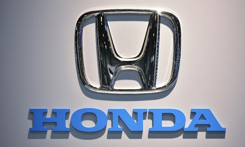 Honda is recalling about 800,000 of its Odyssey minivans in the United States over faulty parts blamed for 46 minor injuries (AFP Photo/Mandel Ngan)