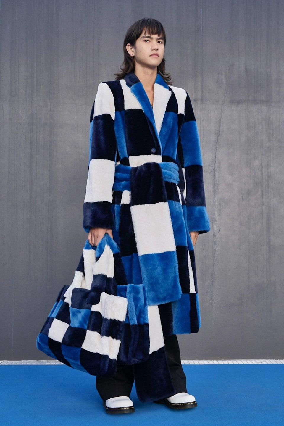 "<h2>Huggable Bags</h2><br>With hugs few and far between, designers have taken to creating outerwear in cloud-like fabrics. This extended to accessories in the form of furry, soft bags that beg to be stroked and held tight.<br><br><em>Claudia Li</em><span class=""copyright"">Photo: Benn Jae.</span>"