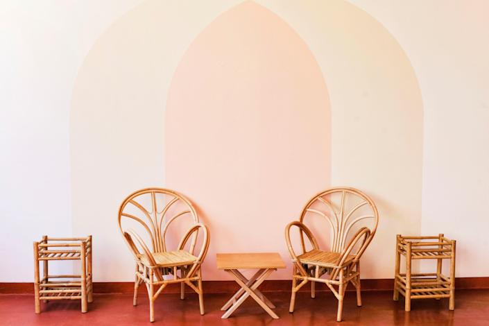"""<div class=""""caption""""> The painted arches on the walls tie together the doorways and add a fun visual effect. </div> <cite class=""""credit"""">KAREL-BALAS</cite>"""