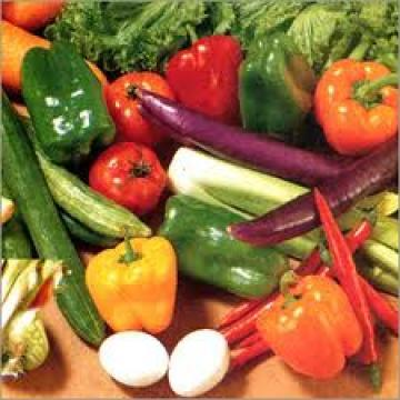 """<div class=""""caption-credit""""> Photo by: ThinkStock</div><div class=""""caption-title"""">Colorful Vegetables</div>A good rule of thumb is that the darker or bolder the color of the vegetable, the more nutrients and cancer-fighting properties it contains. Dark leafy greens are especially potent with folate and fiber, which have been shown to protect against many different cancers, including skin and stomach cancer. Some excellent greens to try include kale, spinach, and mustard greens. Just remember that any rich-colored vegetable will be packed with nutrients that protect against cancer."""