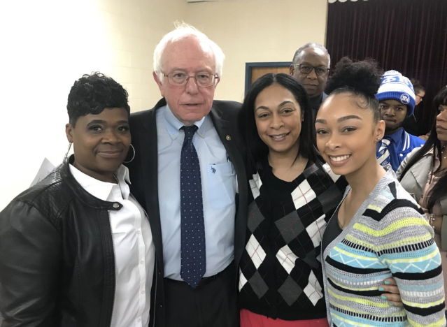 Bernie Sanders with local activists in Flint, Mich. (Photo: Twitter.com/TezlynFigaro)