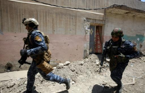 Iraqi forces push into Mosul Old City, warn IS 'surrender or die'