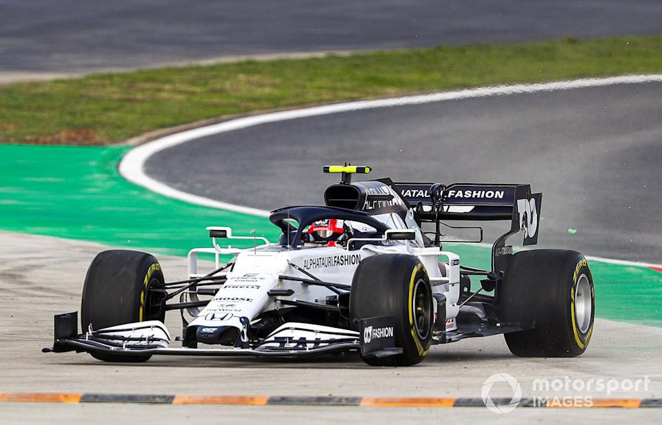 """Pierre Gasly, AlphaTauri AT01, leaves the circuit<span class=""""copyright"""">Charles Coates / Motorsport Images</span>"""