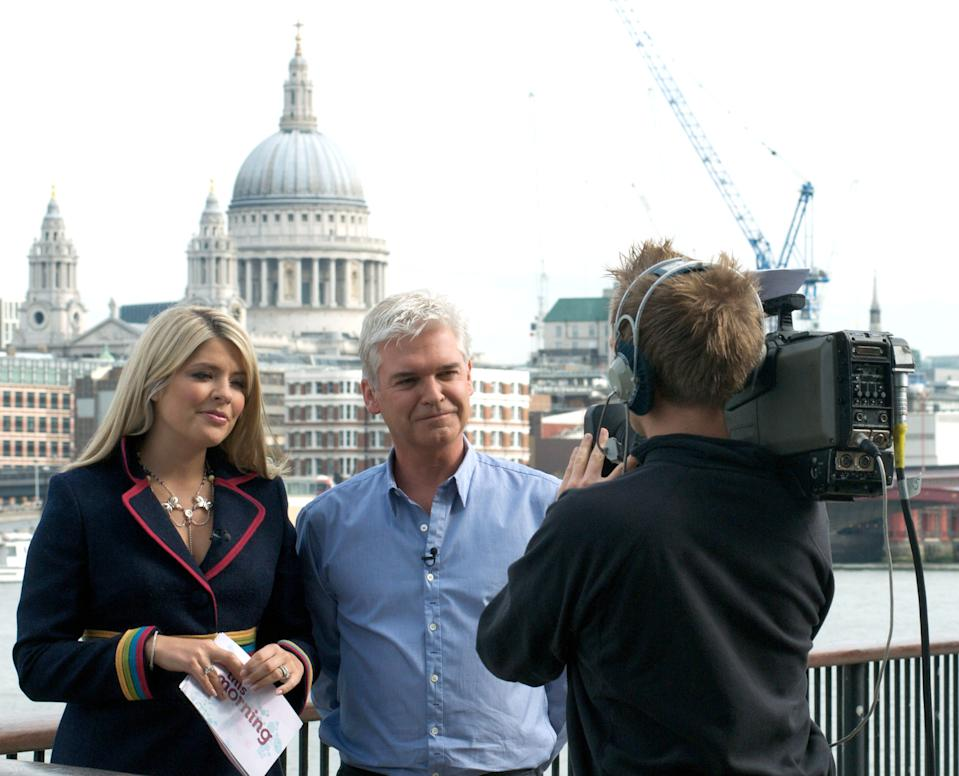 Holly Willoughby and Phillip Schofield are seen presenting 'This Morning' on September 29, 2009 in London, England. (Photo by LucasMepham/FilmMagic)