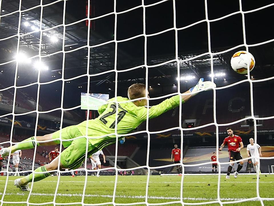 Manchester United's Bruno Fernandes scores a penalty: Pool via Reuters