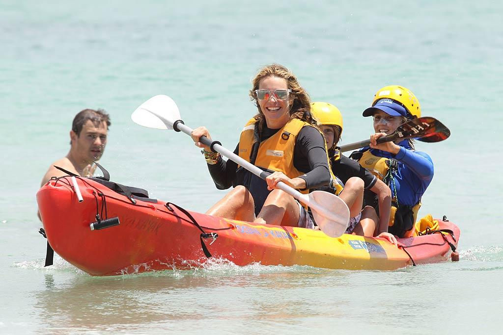 Elle Macpherson took her brood to her home country of Australia, where the family kayaked in Sydney's Byron Bay on Wednesday. (12/29/2011)