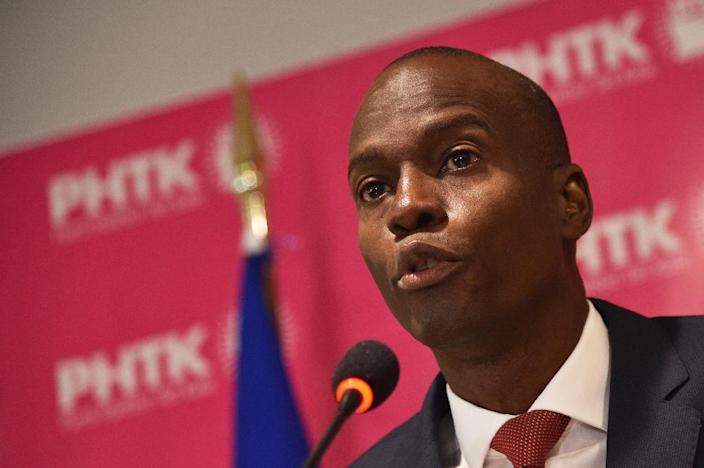 Haitian presidential candidate Jovenel Moise speaks during a press conference in Port-au-Prince, on January 18, 2016 (AFP Photo/Hector Retamal)