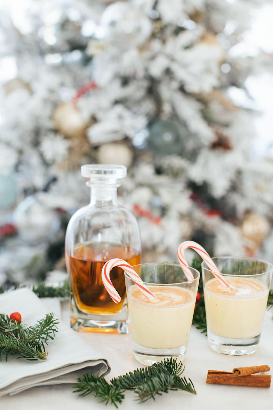 "<p>The holidays can be stressful, especially when you're hosting friends and family. You've already mastered <a href=""https://www.veranda.com/home-decorators/a28480947/napkin-folding/"" rel=""nofollow noopener"" target=""_blank"" data-ylk=""slk:the art of napkin folding"" class=""link rapid-noclick-resp"">the art of napkin folding</a>, dressed your table with <a href=""https://www.veranda.com/home-decorators/g1607/christmas-tables/"" rel=""nofollow noopener"" target=""_blank"" data-ylk=""slk:eye-catching place settings"" class=""link rapid-noclick-resp"">eye-catching place settings</a>, and polished up that <a href=""https://www.veranda.com/food-recipes/g29123611/types-of-cutlery/"" rel=""nofollow noopener"" target=""_blank"" data-ylk=""slk:stunningly obscure silverware"" class=""link rapid-noclick-resp"">stunningly obscure silverware</a>, but have you thought about the signature drink you'll serve up? Don't worry, we've got that part down for you. </p><p> Nothing spreads cheer during the colder winter months quite as well as a festive cocktail. Whether you're hosting a <a href=""https://www.veranda.com/home-decorators/g29293956/hanukkah-decorations/"" rel=""nofollow noopener"" target=""_blank"" data-ylk=""slk:chic dinner party during Hanukkah"" class=""link rapid-noclick-resp"">chic dinner party during Hanukkah</a> or gathering with neighbors or relatives for a Christmas or New Year's toast, we have a full menu of options that are sure to satisfy any crowd. </p><p>From a warming Mexican-inspired Negroni to an oh-so-delightful gingerbread martini, these 19 cocktails hand-selected by VERANDA tastemakers are sure to make even Scrooge feel jolly. Cheers!<br></p>"