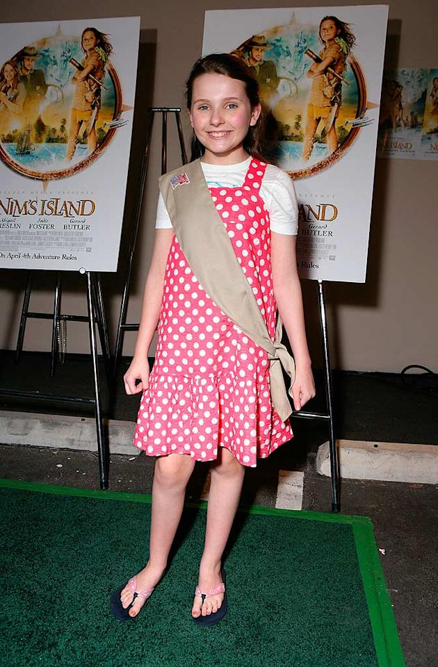 """Abigail Breslin, star of the upcoming movie """"Nim's Island,"""" prepares to be inducted as an official member of the Girl Scouts. Todd Williamson/<a href=""""http://www.wireimage.com"""" target=""""new"""">WireImage.com</a> - March 26, 2008"""