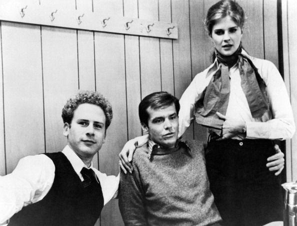 <p>Costars Art Garfunkel, Jack Nicholson, and Candice Bergen are seen hanging out behind the scenes on the set of <em>Carnal Knowledge. </em></p>