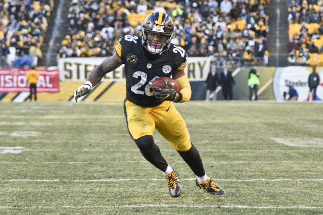 Le'Veon Bell, currently the league's highest-paid running back, wants even more money than what he's making. (AP Photo/Don Wright)