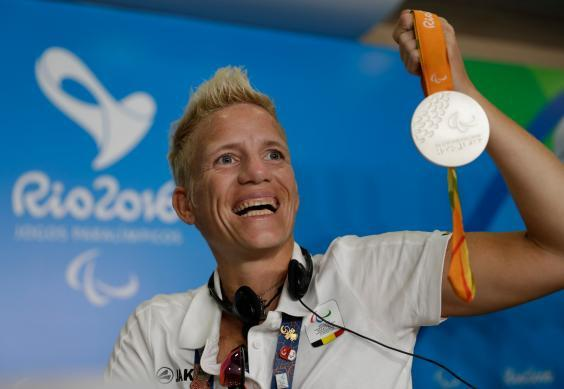 Vervoort with her silver medal at the Rio Paralympics in 2016 (AP)