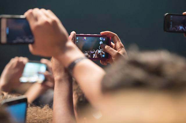 Snapchat is teens' favorite social media platform. But they remain uninterested in Facebook.