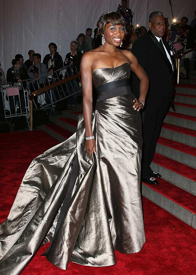 "We love that tennis ace Venus Williams found a dress that flattered her athletic figure yet was elegant. Great choice! Andrew Walker/<a href=""http://www.gettyimages.com/"" target=""new"">GettyImages.com</a> - May 5, 2008"