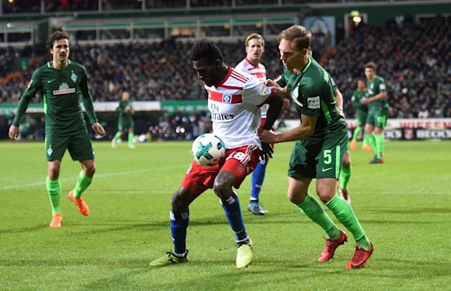 Soccer Football - Bundesliga - Werder Bremen vs Hamburger SV - Weser-Stadion, Bremen, Germany - February 24, 2018 Hamburg's Bakery Jatta in action with Werder Bremen's Ludwig Augustinsson REUTERS/Fabian Bimmer DFL RULES TO LIMIT THE ONLINE USAGE DURING MATCH TIME TO 15 PICTURES PER GAME. IMAGE SEQUENCES TO SIMULATE VIDEO IS NOT ALLOWED AT ANY TIME. FOR FURTHER QUERIES PLEASE CONTACT DFL DIRECTLY AT + 49 69 650050