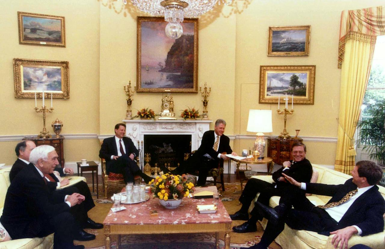 President Clinton meets with Congressional leaders in the Oval Office to discuss the fiscal year 1998 budget before departing for his Russian summit trip, March 19. Pictured are (L-R) Sen. Frank Lautenberg (D-NJ), Rep. John Spratt (D-SC), obscured, Vice-President Al Gore, Sen. Peter Domenici (R-NM) and Rep. John Kasich (R-OH).