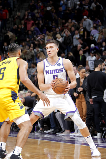 SACRAMENTO, CA - DECEMBER 1: Bogdan Bogdanovic #8 of the Sacramento Kings handles the ball against the Indiana Pacers on December 1, 2018 at Golden 1 Center in Sacramento, California. (Photo by Rocky Widner/NBAE via Getty Images)