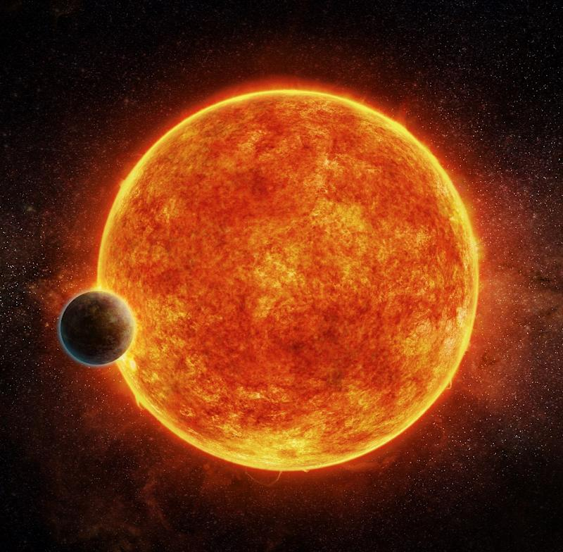 An artist impression released by the European Southern Observatory on April 19, 2017 shows a planet named LHS 1140 located in the liquid water habitable zone surrounding its host star
