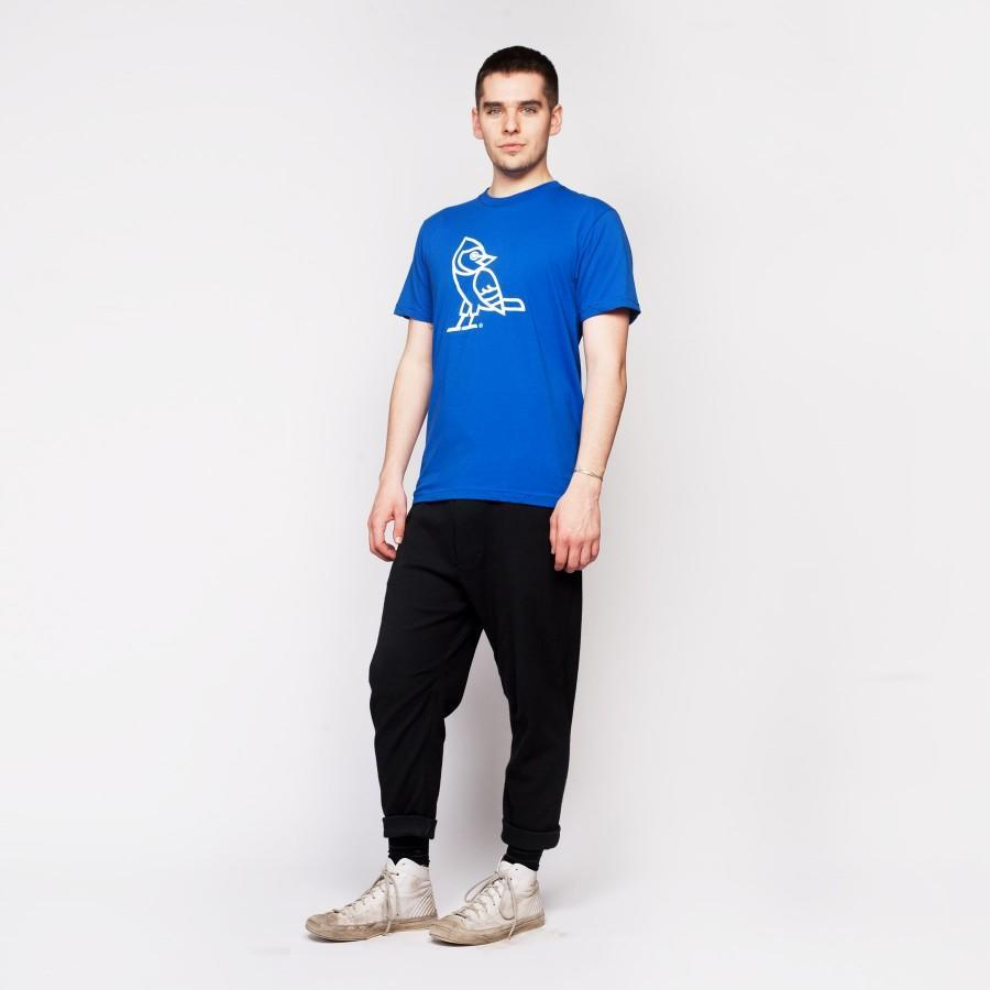 "<p>Is the dad in your life cool enough to love baseball and rep the 6? Then this shirt is perfect. <i>($38 <a href=""http://www.drakegeneralstore.ca/gifting/jays-gear/red-lion-416-jays-tee-royal-blue#.V2Gf9uYrJlM"" rel=""nofollow noopener"" target=""_blank"" data-ylk=""slk:via The Drake General Store"" class=""link rapid-noclick-resp"">via The Drake General Store</a>)</i></p>"