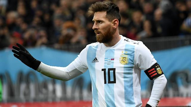 A man who helped Argentina to their last global triumph has urged a talismanic figure of the current era to bring his domestic campaign to a close