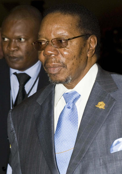 FILE - In this photo taken Monday, Feb. 1, 2010 Malawian President Bingu wa Mutharika arrives at the UN Conference Hall in Addis Ababa, Ethiopia. Doctors who treated Malawi's President Bingu wa Mutharika say Friday April 6, 2012 he has died after a heart attack. (AP Photo/Jon Black, File)