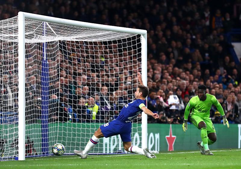 LONDON, ENGLAND - NOVEMBER 05: Cesar Azpilicueta of Chelsea FC scores his teams second goal during the UEFA Champions League group H match between Chelsea FC and AFC Ajax at Stamford Bridge on November 05, 2019 in London, United Kingdom. (Photo by Chloe Knott - Danehouse/Getty Images)