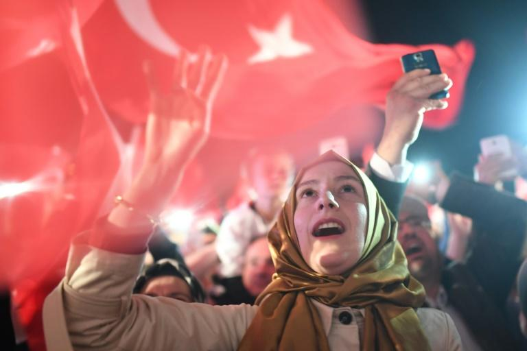 Turkish protesters rally against election board