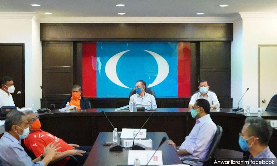 Harapan to meet tomorrow in wake of PM's failure to impose emergency
