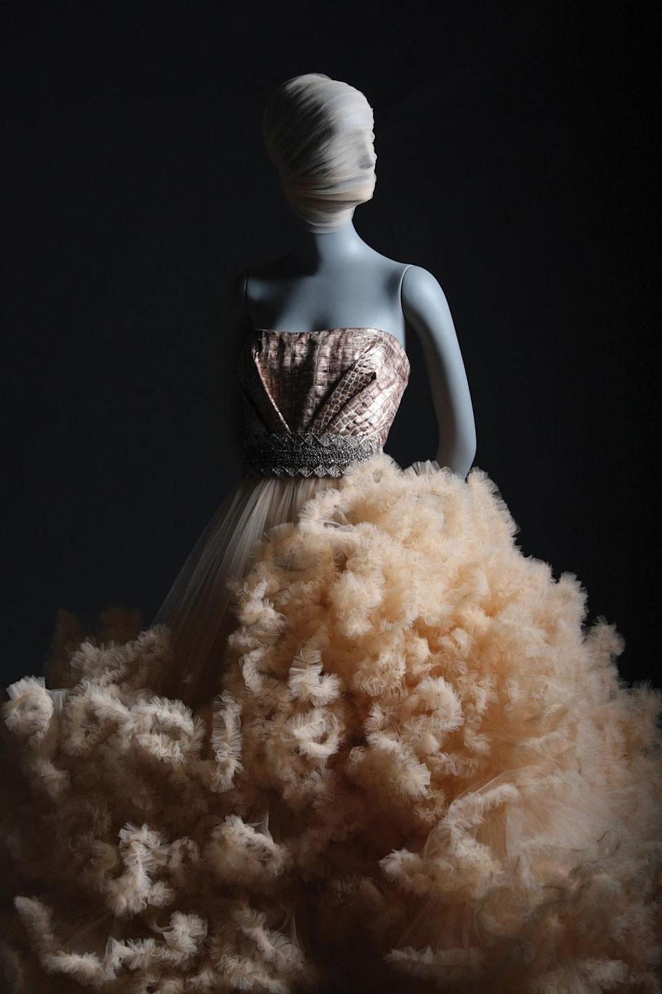 One of Christian Siriano's stunning gowns featured in his new book. (Photo: Brad Walsh, <em>Dresses to Dream About</em>, by Christian Siriano, Rizzoli New York)