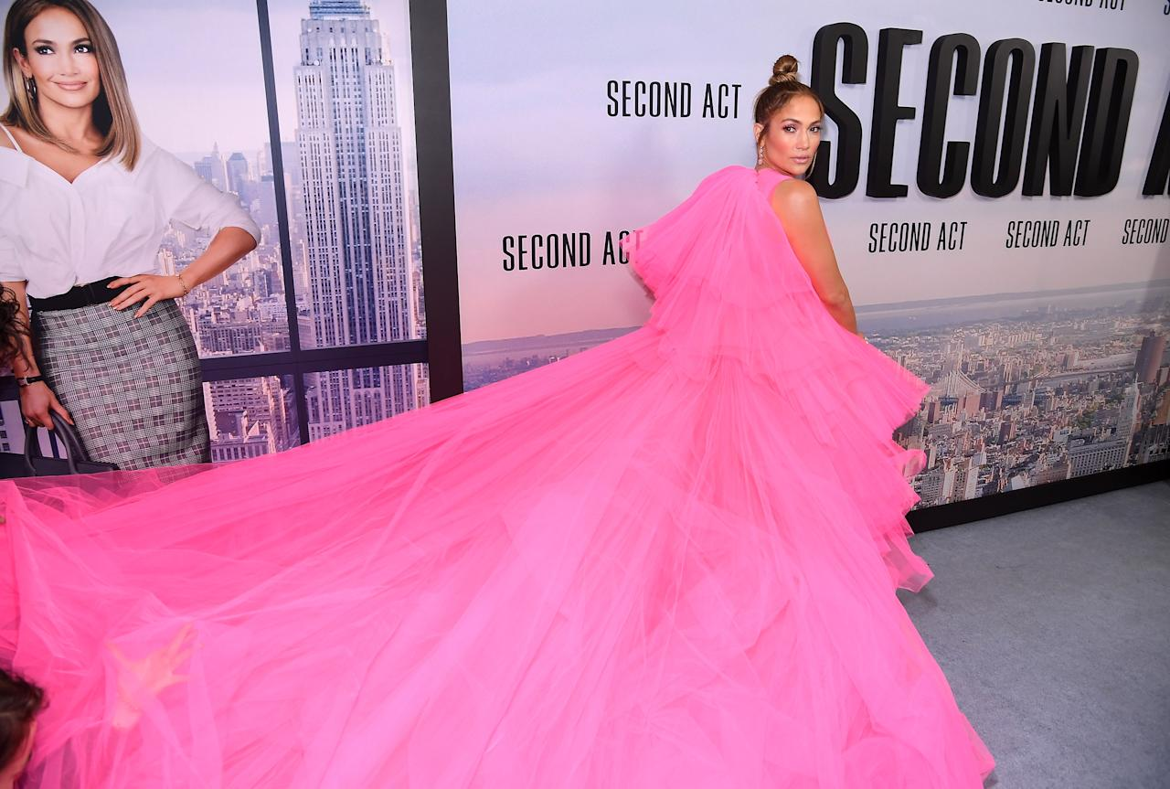 <p>Wearing Giambattista Valli. <em>[Photo: Getty]</em> </p>