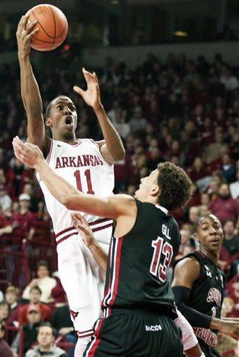 Young's 27 help Arkansas down South Carolina 76-65