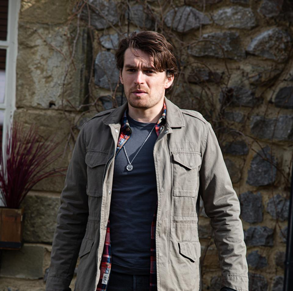 FROM ITV  STRICT EMBARGO  Print media - No Use Before Tuesday 25th May 2021 Online Media - No Use Before 0700hrs  Tuesday 25th May 2021  Emmerdale - Ep 9065  Friday 4th June 2021  Mack Boyd [LAWRENCE ROBB] soon thinks heÕs got a way of solving his problem with Eric Pollard [CHRIS CHITTELL].  Picture contact David.crook@itv.com   This photograph is (C) ITV Plc and can only be reproduced for editorial purposes directly in connection with the programme or event mentioned above, or ITV plc. Once made available by ITV plc Picture Desk, this photograph can be reproduced once only up until the transmission [TX] date and no reproduction fee will be charged. Any subsequent usage may incur a fee. This photograph must not be manipulated [excluding basic cropping] in a manner which alters the visual appearance of the person photographed deemed detrimental or inappropriate by ITV plc Picture Desk. This photograph must not be syndicated to any other company, publication or website, or permanently archived, without the express written permission of ITV Picture Desk. Full Terms and conditions are available on  www.itv.com/presscentre/itvpictures/terms