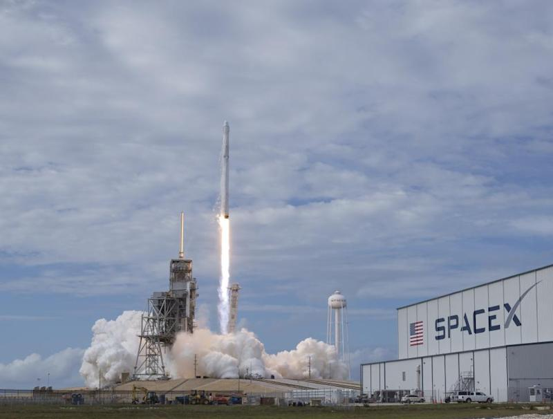 SpaceX has postponed the launch of the Spanish satellite