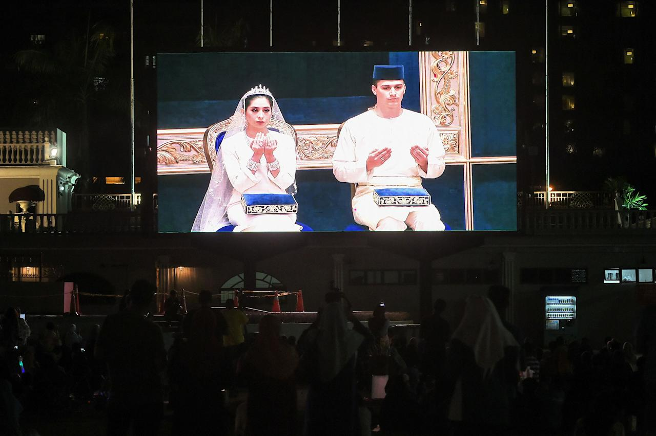 <p><b>The wedding ceremony and reception are streaming in the city's square. (Photo: Getty Images) </b></p>