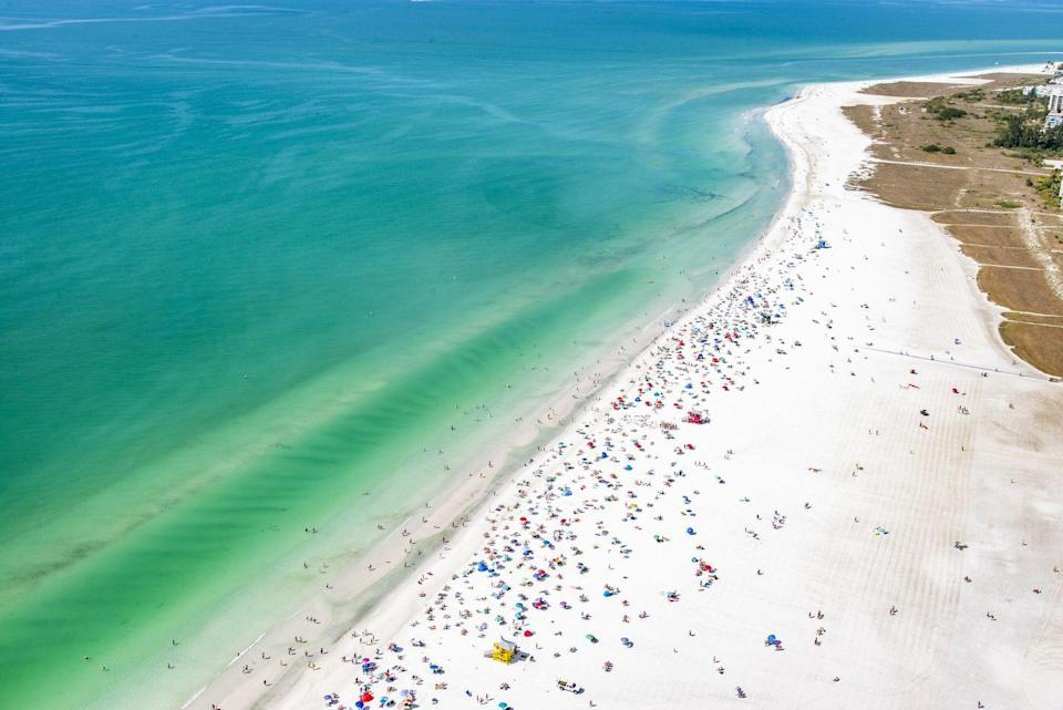 <p>Turquoise waters, quartz sands, and ultra-luxe amenities make Siesta Beach in Siesta Key one of the best in the country. Fantastic fishing, waterfront dining, and a variety of local events make this place a destination jet setters love to visit time after time. </p>