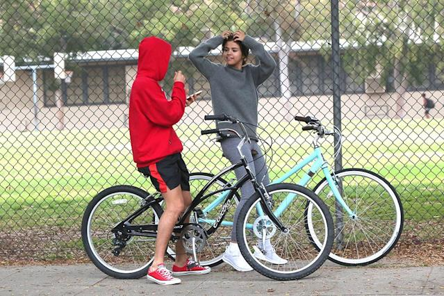 """<p>The former couple appeared to take breaks from riding around so they could stop and chat. Bieber and Gomez certainly have a lot to catch up on, as they didn't talk for about a year. Bieber reached out to his former flame after she revealed last month that she had a <a href=""""https://www.yahoo.com/entertainment/selena-gomez-reveals-kidney-transplant-summer-113023935.html"""" data-ylk=""""slk:kidney transplant over the summer;outcm:mb_qualified_link;_E:mb_qualified_link"""" class=""""link rapid-noclick-resp newsroom-embed-article"""">kidney transplant over the summer</a>. (Photo: instarimages.com) </p>"""