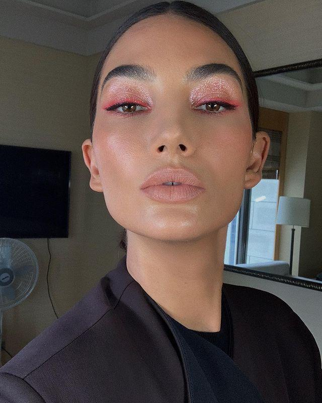 """<p>Your date won't be able to look away from this one, courtesy of makeup artist Hung Vanngo. Vanngo combined lines of coral eyeliner, black eyeliner, and ultra-shimmery shadow for an artistic effect on Lily Aldridge. </p><p><strong>Try: NARS </strong>High-Pigment Longwear Eyeliner in Broadway, $24, <a href=""""https://shop.nordstrom.com/s/nars-high-pigment-longwear-eyeliner/5350279/full?origin=category-personalizedsort&breadcrumb=Home%2FBeauty%2FMakeup%2FEyeliner&color=broadway"""" rel=""""nofollow noopener"""" target=""""_blank"""" data-ylk=""""slk:nordstrom.com"""" class=""""link rapid-noclick-resp"""">nordstrom.com</a>. <a class=""""link rapid-noclick-resp"""" href=""""https://go.redirectingat.com?id=74968X1596630&url=https%3A%2F%2Fshop.nordstrom.com%2Fs%2Fnars-high-pigment-longwear-eyeliner%2F5350279%2Ffull%3Forigin%3Dcategory-personalizedsort%26breadcrumb%3DHome%252FBeauty%252FMakeup%252FEyeliner%26color%3Dbroadway&sref=https%3A%2F%2Fwww.harpersbazaar.com%2Fbeauty%2Fmakeup%2Fg26114054%2Fvalentines-day-eye-makeup-ideas%2F"""" rel=""""nofollow noopener"""" target=""""_blank"""" data-ylk=""""slk:SHOP"""">SHOP</a></p><p><a href=""""https://www.instagram.com/p/B58cIXzpZYI/"""" rel=""""nofollow noopener"""" target=""""_blank"""" data-ylk=""""slk:See the original post on Instagram"""" class=""""link rapid-noclick-resp"""">See the original post on Instagram</a></p>"""