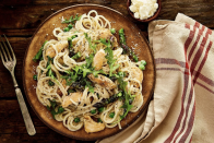 """<p>If finding the time to actually prep the meal is what keeps you and the kitchen disconnected, then <a href=""""https://go.redirectingat.com?id=74968X1596630&url=https%3A%2F%2Fwww.gobble.com%2F&sref=https%3A%2F%2Fwww.delish.com%2Ffood-news%2Fg25574529%2Fhealthy-meals-delivered%2F"""" rel=""""nofollow noopener"""" target=""""_blank"""" data-ylk=""""slk:Gobble"""" class=""""link rapid-noclick-resp"""">Gobble</a> may be the meal service for you. Perhaps the most low-effort meal service out there, the good folks over at Gobble send you already-peeled veggies and there's little to know prep involved in the recipes you receive. The best part? It'll take less than 20 minutes for each meal to go from pan to plate. Talk about helpful. </p><p><strong>Sample meal: </strong>Pan-seared salmon fillets with colorful vegetable hash</p><p><strong>Where: </strong>Most zip codes in the United States</p><p><strong>Cost: </strong>Meals beginning at $11.99 per person </p>"""