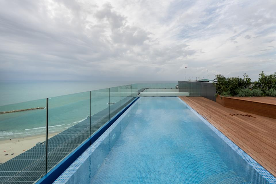 The home's roof terrace includes an infinity swimming. Photo: Beauchamp Estates