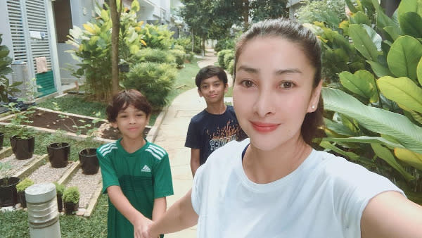 Rita has two sons from her previous marriage