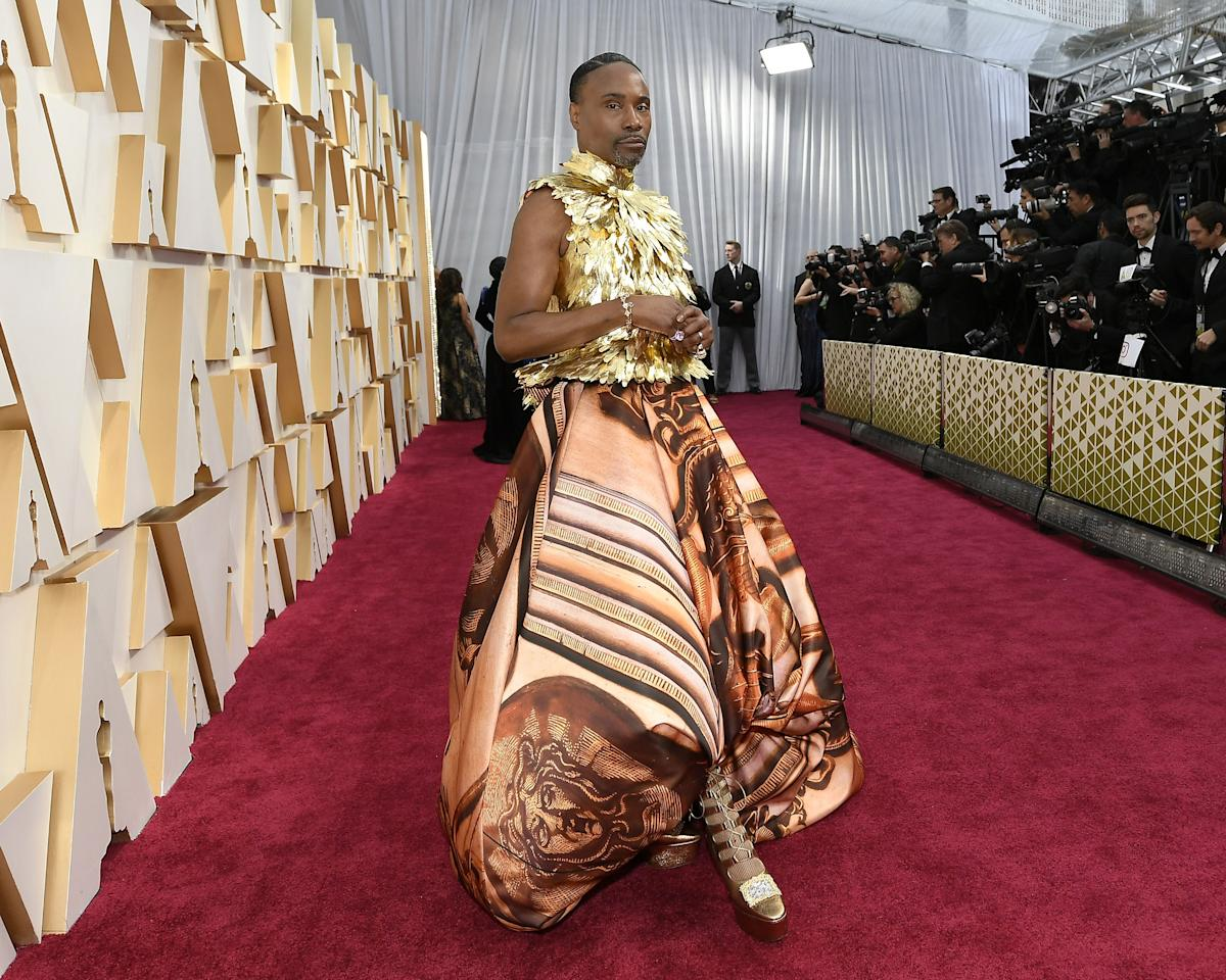 <p>The grand finale of award season is here, and the stars saved their best outfits for last. Celebrities have just started arriving on the red carpet of the Academy Awards in Los Angeles tonight. From bold ball gowns to sleek suits, here's what everyone is wearing to the Oscars, from Cynthia Erivo to Billie Eilish.</p>